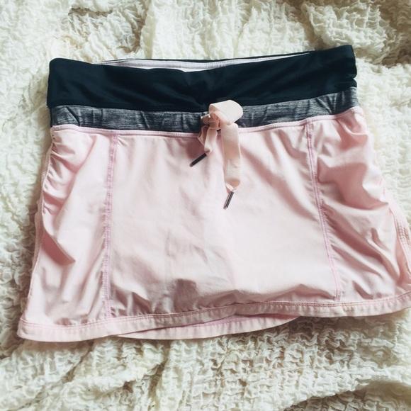 0c54263370 lululemon athletica Skirts   Lululemon Skirt Sz 4 Pink Gray   Poshmark